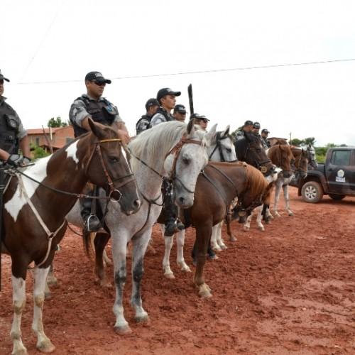 Cavalaria da PM é usada no combate ao crime nas ruas de Teresina