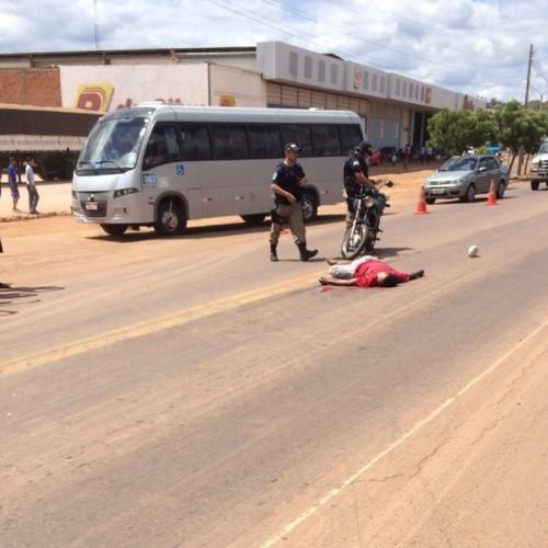 Homem de Padre Marcos se atira na frente de caminhão e morre em Picos