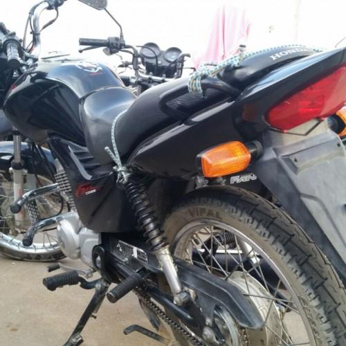 Moto roubada é recuperada no interior de Campo Grande do Piauí