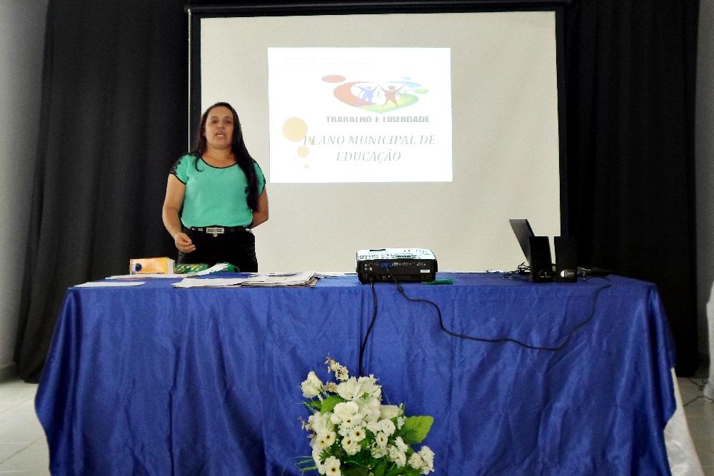 Elisângela Marques, secretária municipal de Educação