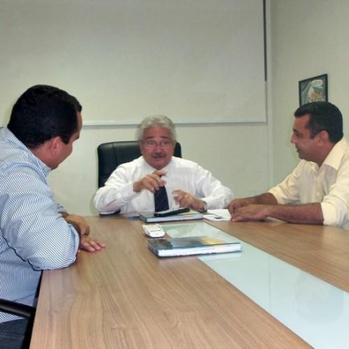 Comissão vai a Brasília cobrar informações sobre obra de adutora para abastecer Jaicós