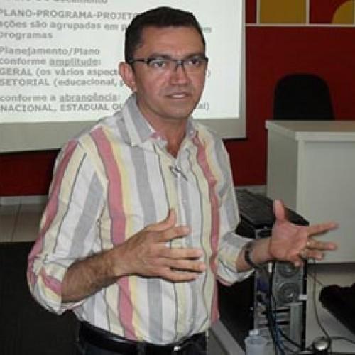 Futuro prefeito de Picos diz que manterá grupo de Kléber
