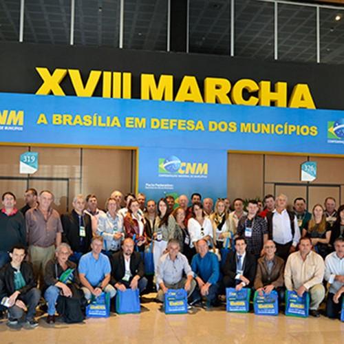 APPM leva 120 prefeitos piauienses para participarem da Marcha dos Municípios
