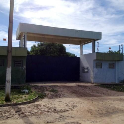 Onze presos pulam muro e fogem de presídio por meio de túnel no Piauí