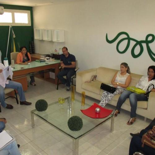 JAICÓS   Prefeita reúne secretariado e traça metas para conquista do Selo Unicef