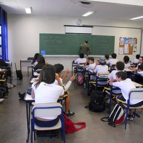 Jovens saem do ensino médio sem aprender o básico, revela pesquisa