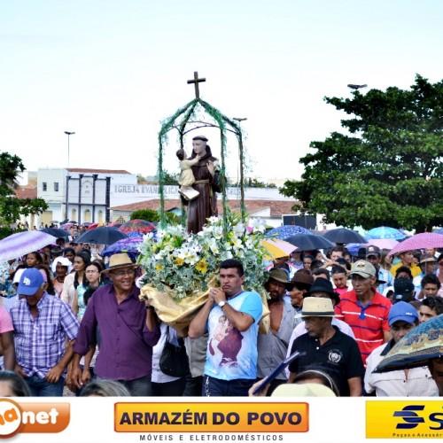 Padre Marcos celebra a 101ª festa de Santo Antônio; veja fotos