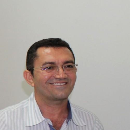 Os desafios e medos do padre que assumirá a prefeitura da maior cidade do Sertão do Piauí
