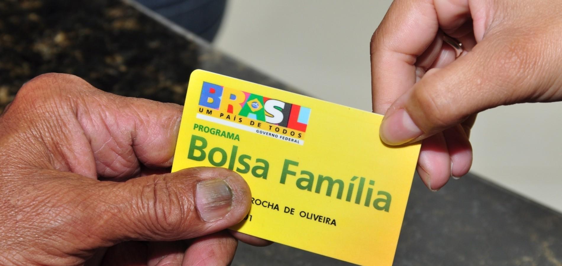 Governo atrasa repasse de recursos para o Bolsa Família