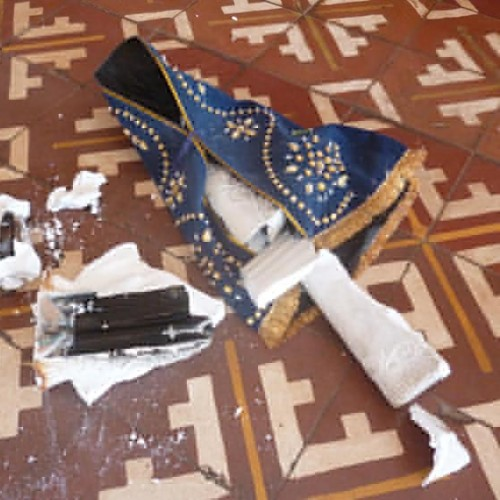 Igreja matriz é invadida e tem imagens de santos quebradas no Piauí