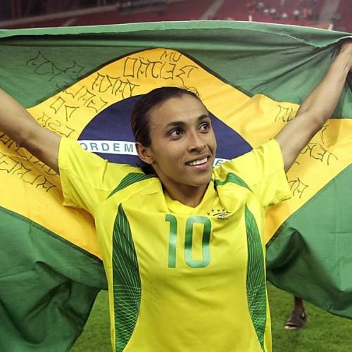 Marta bate novo recorde e Brasil estreia com vitória em Copa do Mundo
