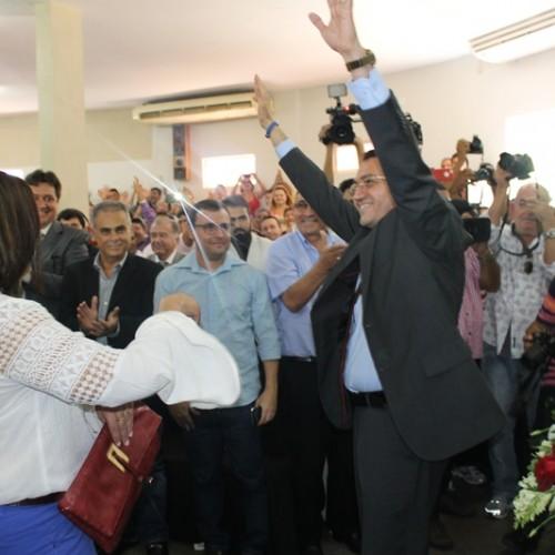 Padre Walmir Lima é empossado prefeito de Picos