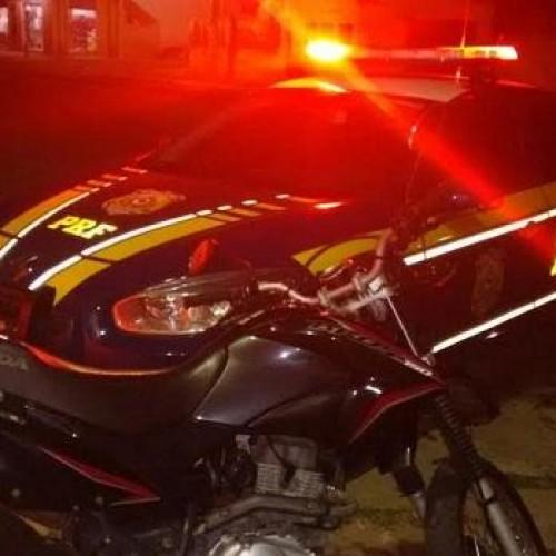PRF prende motoqueiro com documentos falsificados e apreende motocicleta