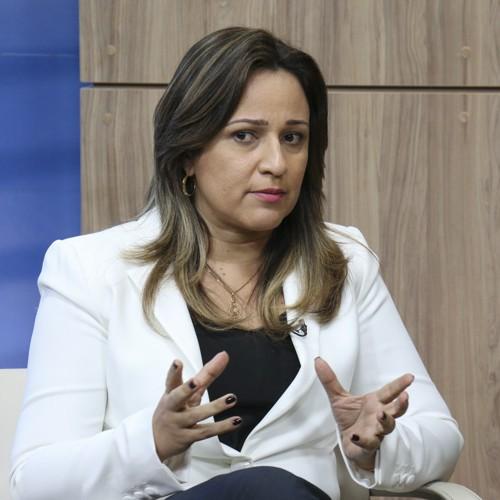 Rejane Dias encomenda relatório sobre situação das escolas estaduais do Piauí