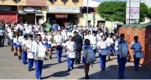 FOTOS | Desfile e hasteamento das bandeiras em homenagem aos 61 anos de Simões