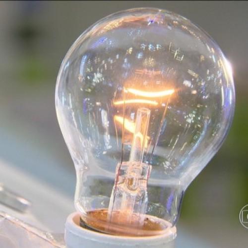 Lâmpada incandescente de 60 watts deixa de ser vendida; Inmetro fiscaliza