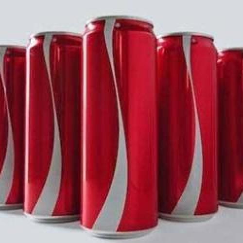 Coca-Cola remove rótulos em campanha para combater o preconceito