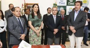 Em visita ao Piauí, ministro libera de R$ 12 milhões para combate a seca e outras obras