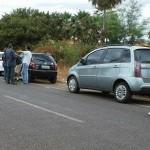 PICOS |  Homem perde controle de veiculo e colide com carro de delegado