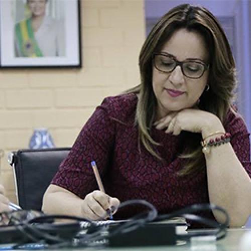 Rejane destina R$ 30 milhões para escola profissionalizante em Picos