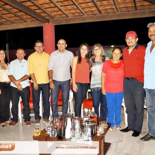 Senadora do PT visita Massapê do Piauí e é recepcionada pela prefeita Luíza