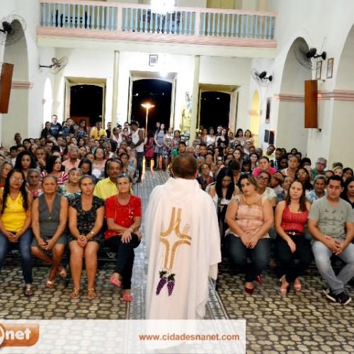 Missa da Saúde atrai centenas de católicos em Jaicós; veja fotos