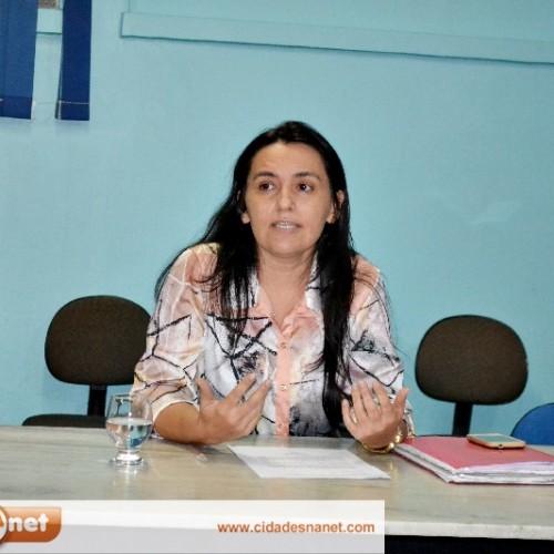 Vereadora reivindica quadras esportivas para comunidades rurais de Padre Marcos