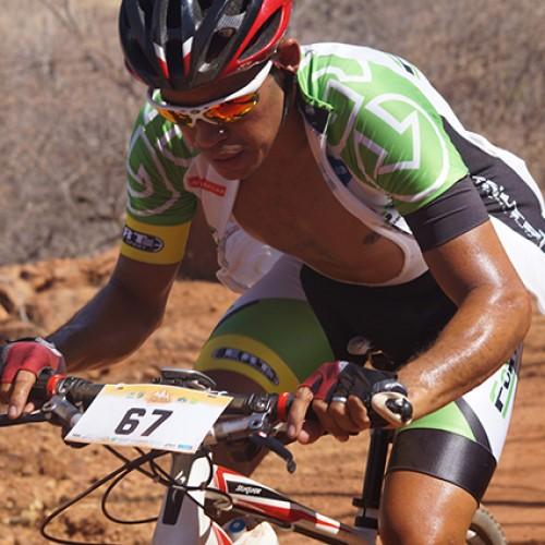 Mais de 400 ciclista disputam título de campeão brasileiro de MTB Marathon em Picos