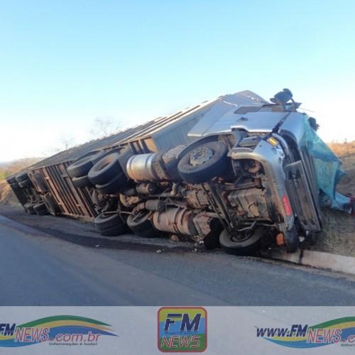 Motorista dorme, sofre acidente e fica preso nas ferragens na BR 316, em Francisco Macedo
