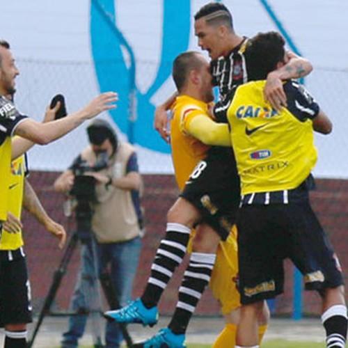 Corinthians vence Avaí e 'conquista' primeiro turno do Brasileiro