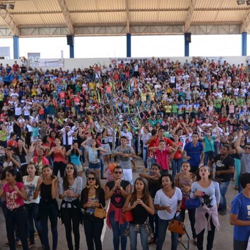 Milhares de jovens da Diocese de Picos participam de evento do Jubileu; veja fotos
