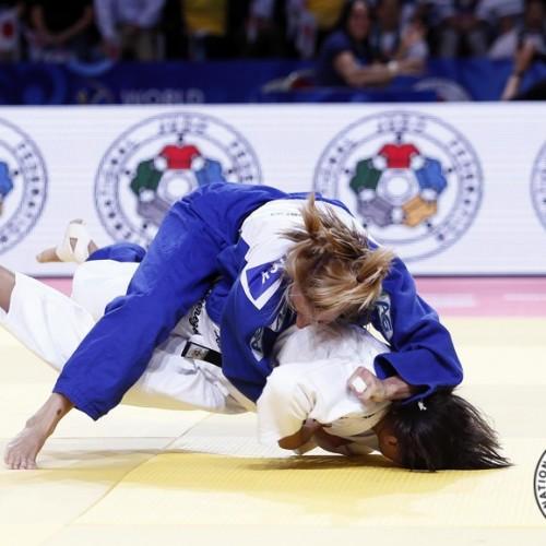 Sarah Menezes perde em estreia e é eliminada do Grand Slam de Abu Dhabi
