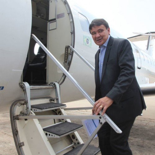 """Governador faz voo teste a São Raimundo Nonato: """"É um voo histórico"""""""