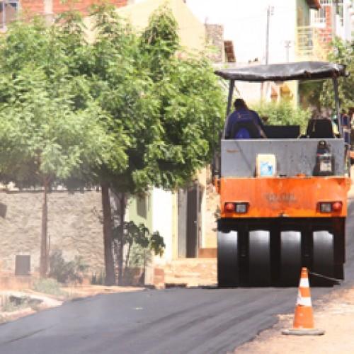 Picos recebe 43 mil metros quadrados de asfalto