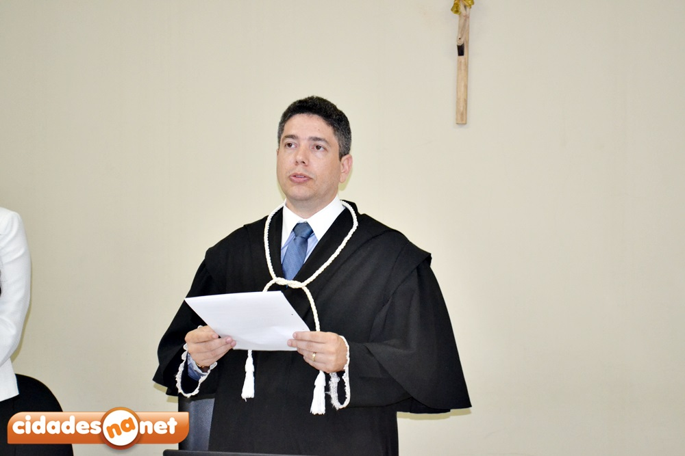 Juiz Franco Morette lê a sentença condenatória