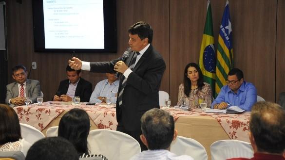 Governador e prefeitos discutem soluções para o saneamento básico no Piauí