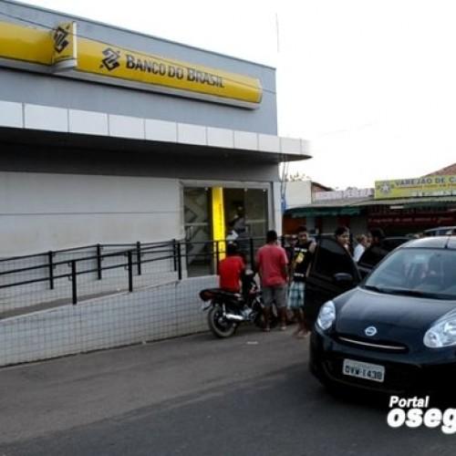 Banco do Brasil  de  Parnarama (MA) é assaltado e bandido morre em troca de tiro com a polícia; fotos!