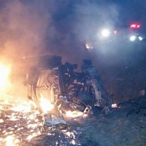 Motorista morre carbonizado em acidente com caminhão de combustível no Piauí