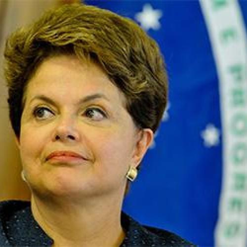 Presidente Dilma Rousseff pensou em deixar o PT, diz jornal