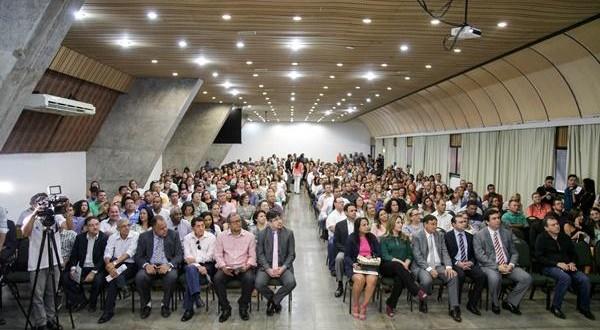 Em encontro com prefeitos FNDE vai orientar municípios do Piauí para se tornarem adimplentes