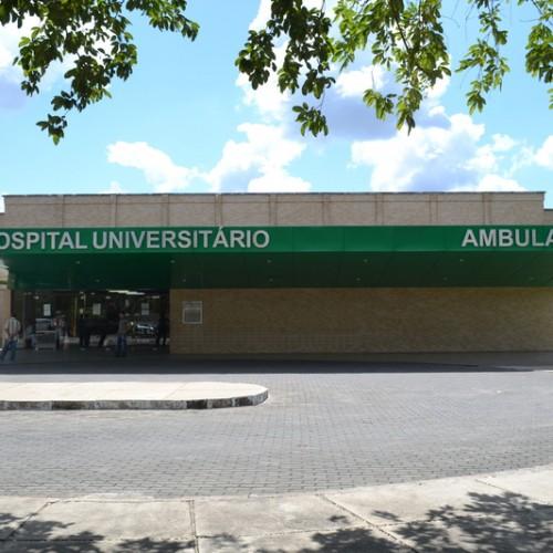 Mais de 1 mil servidores do HU entram em greve no Piauí