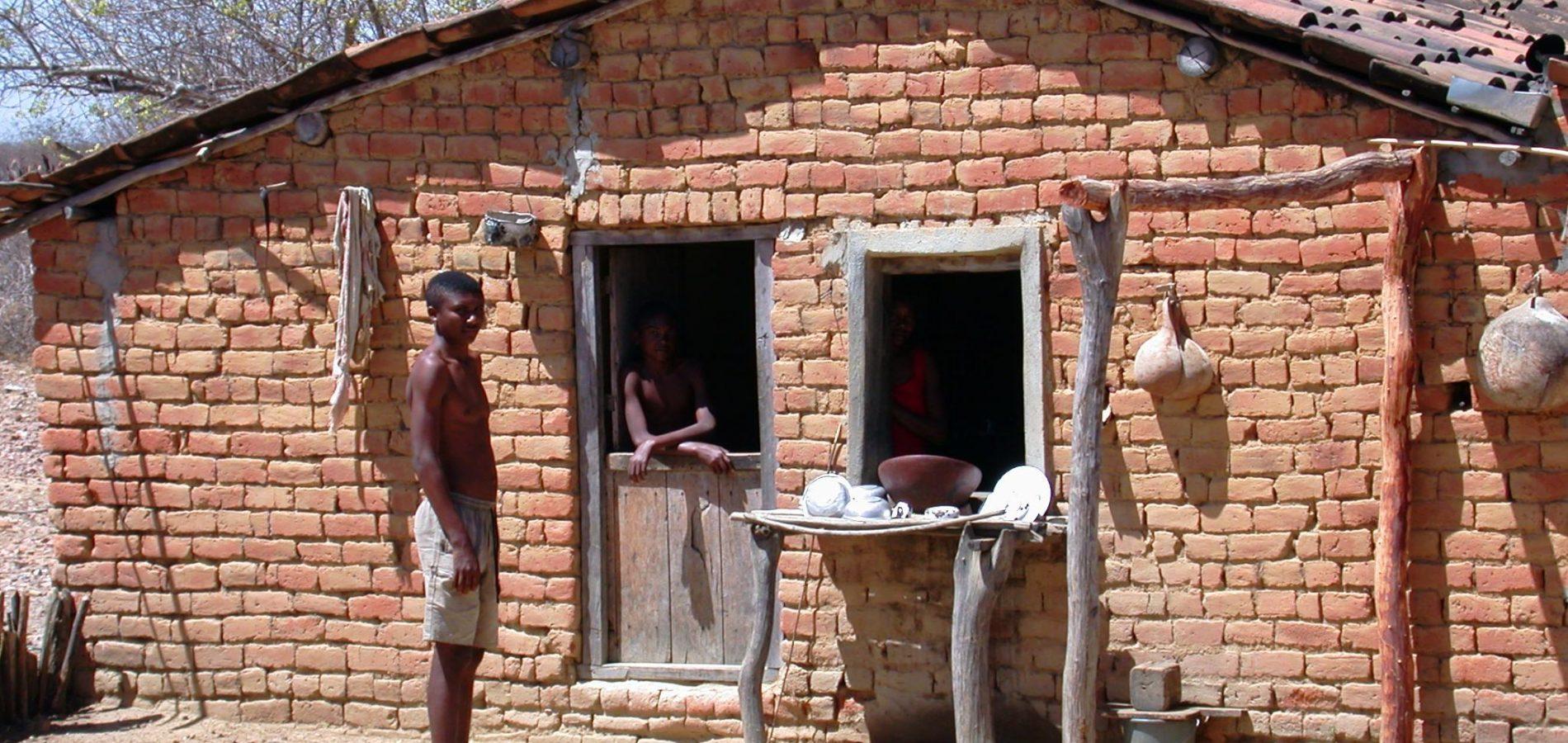 No Piauí, quase metade da população permanece com renda per capita inferior a R$ 420 por mês