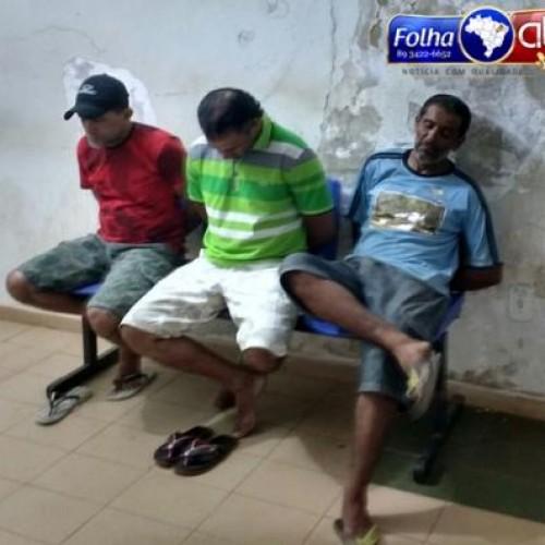 PICOS | PM estoura boca de fumo, apreende drogas e acusados são detidos