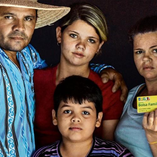 Governo já cortou quase 800 mil famílias do Bolsa-Família