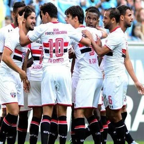 São Paulo derruba invencibilidade do Grêmio na Arena e não deixa Fla escapar