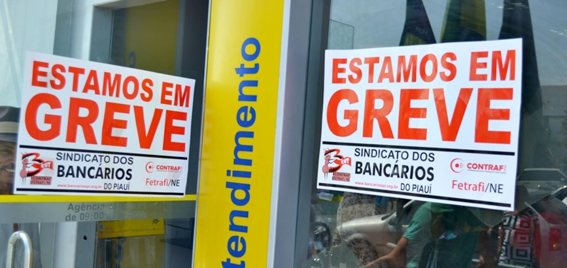 Bancários fortalecem greve e decidem suspender 100% dos atendimentos
