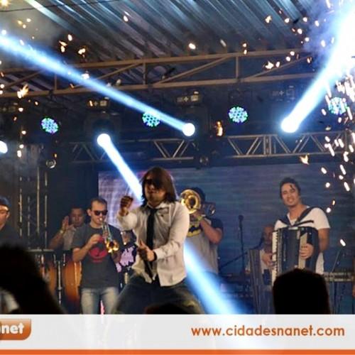 FOTOS | Show de Iohannes nos festejos de Simões