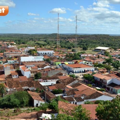 Em Itainópolis, dupla armada assalta três comércios e deixa população assustada
