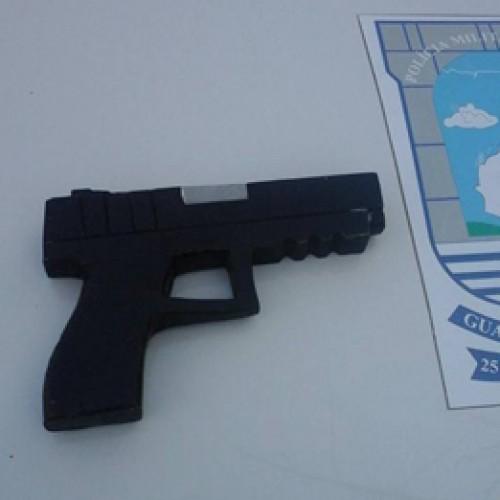 Adolescente suspeito de assaltos na Uespi é apreendido com arma de brinquedo