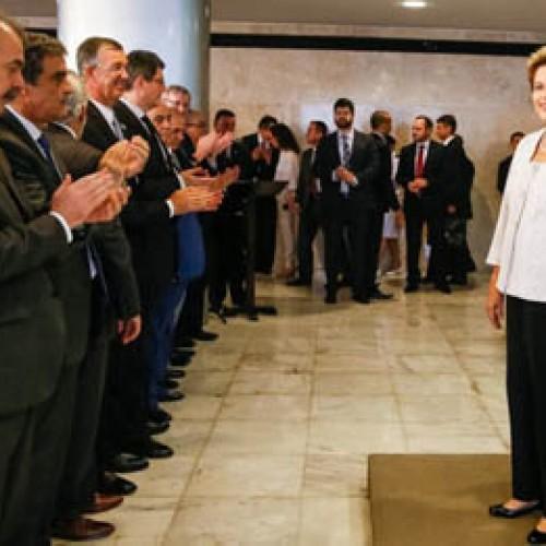 Confira os ministros que entram e que saem com a reforma de Dilma